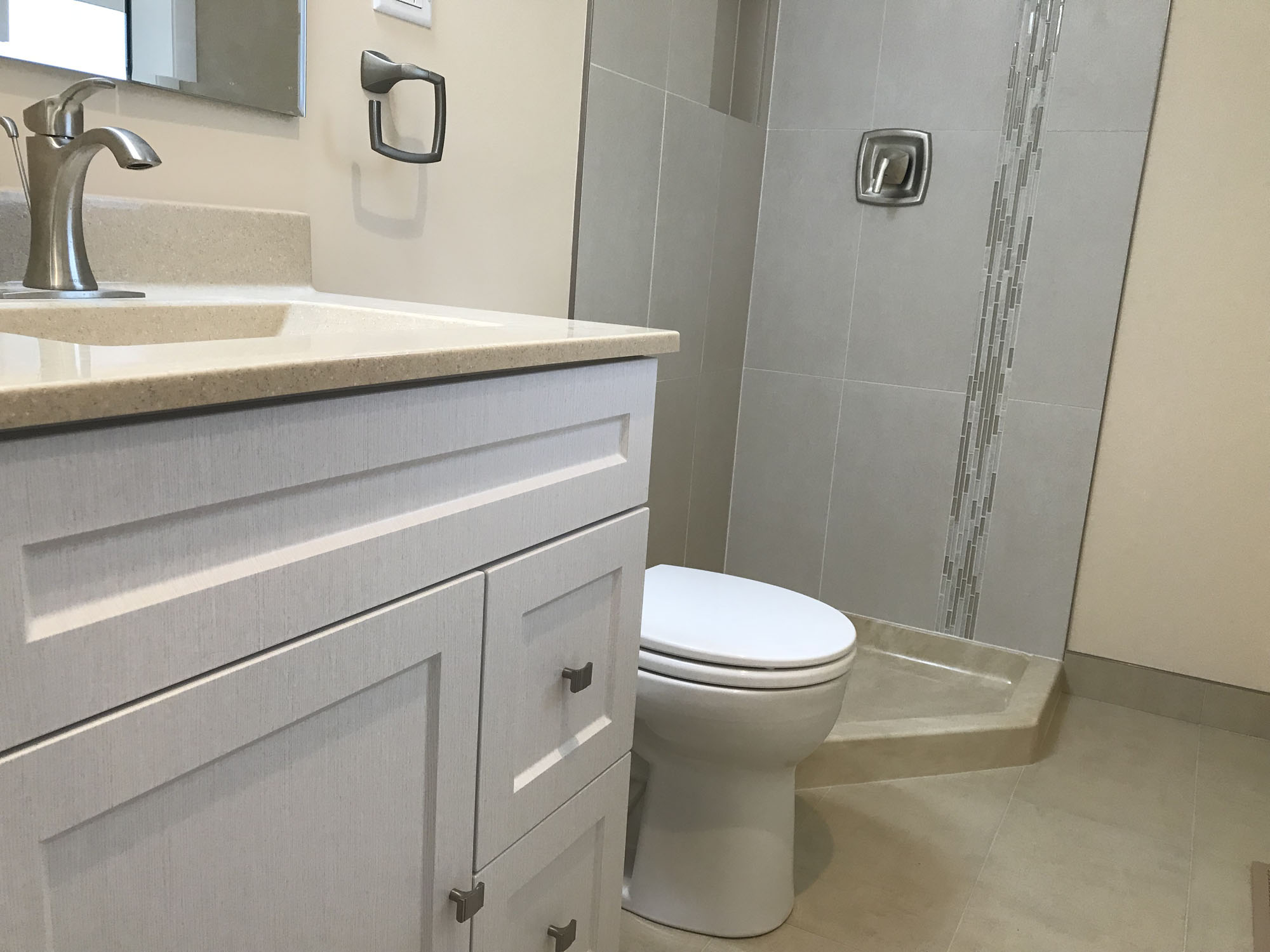 Bathroom remodeling itasca sunny construction for Bath remodel gurnee