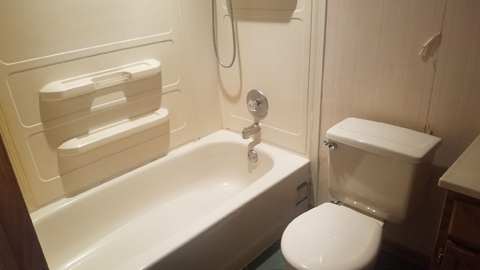 Remodeling contractors chicago sunny construction for Bathroom remodel schaumburg il