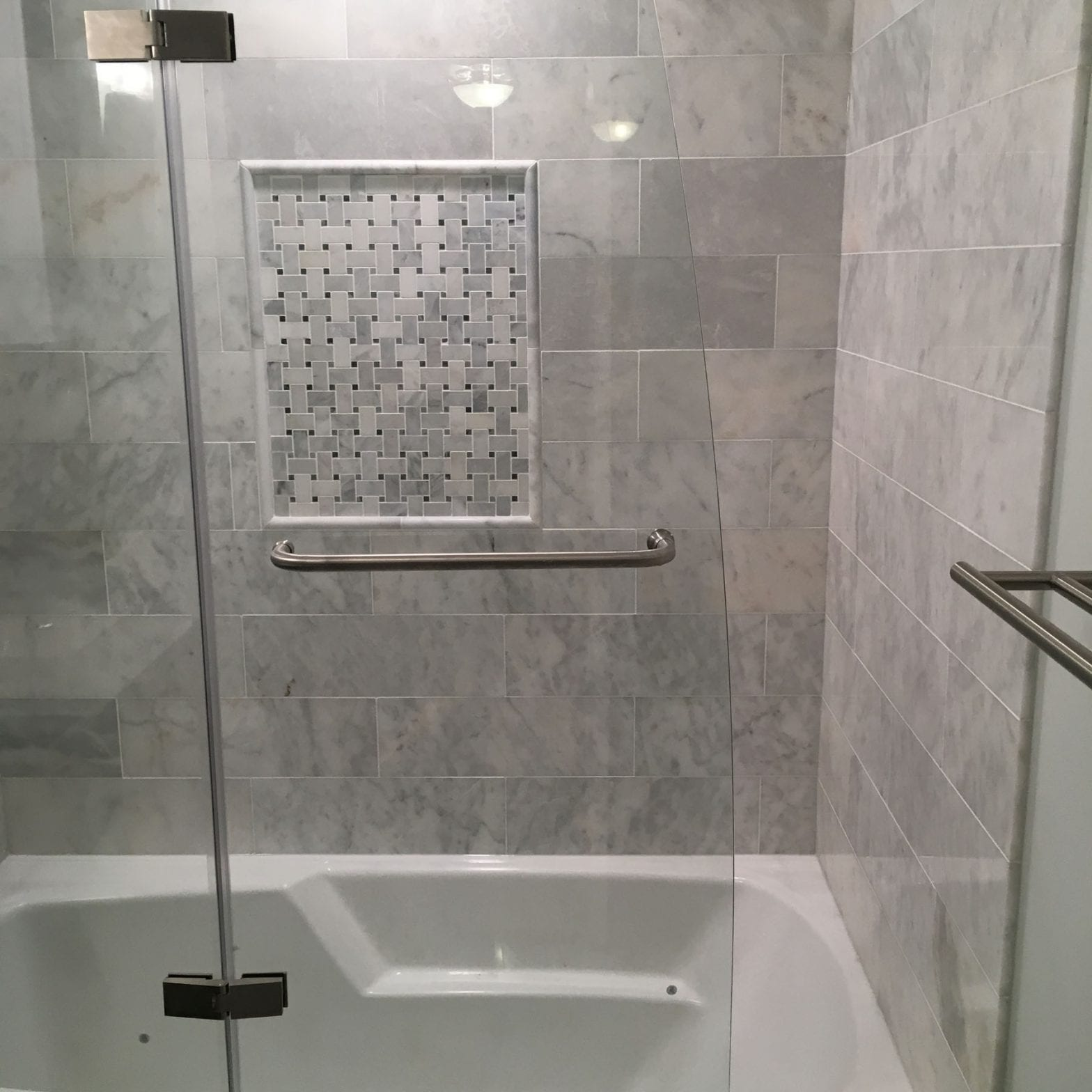 Bathromm remodleing Elmhurst IL new shower