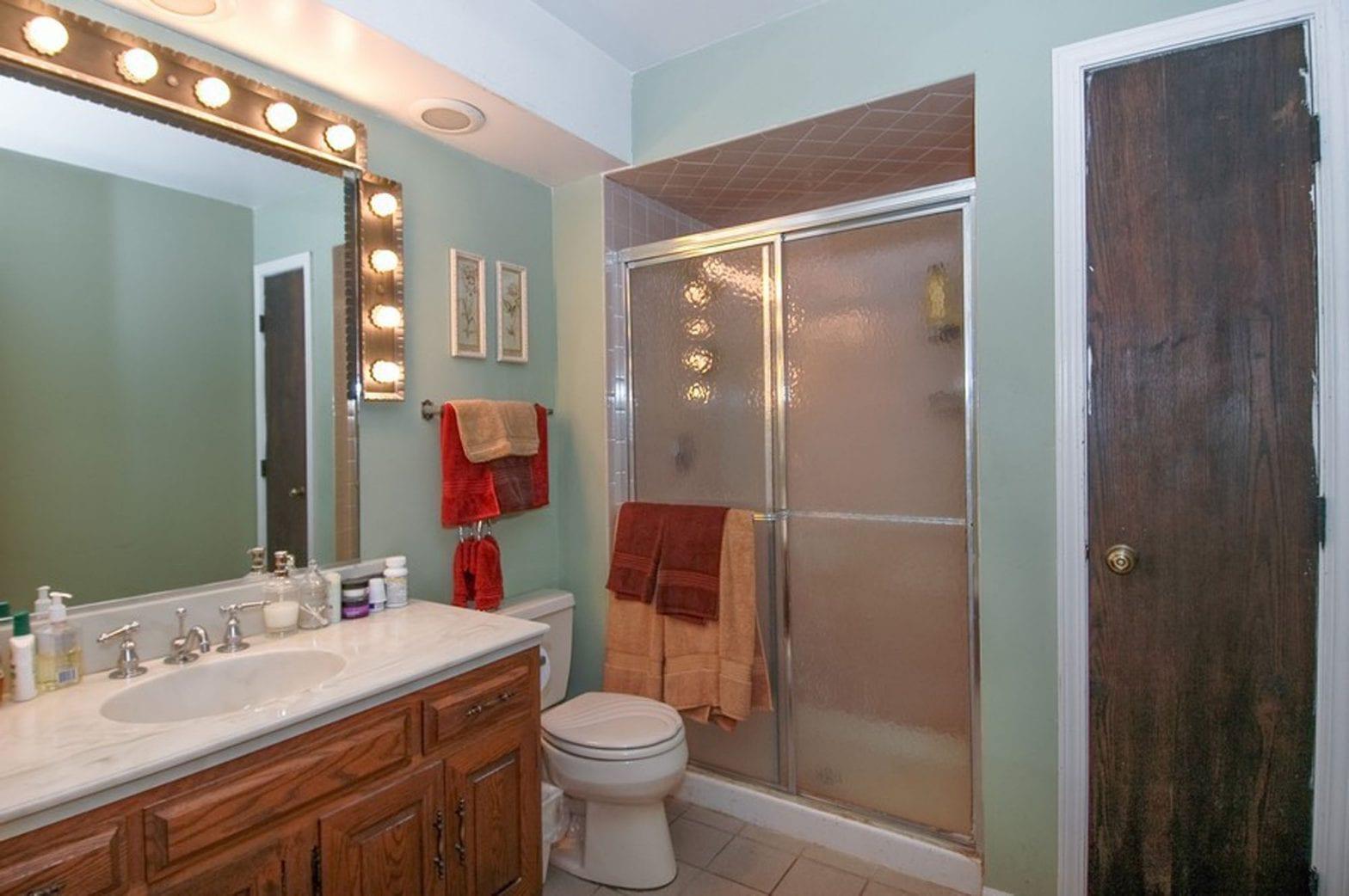 Bathroom remodeling in East Dundee