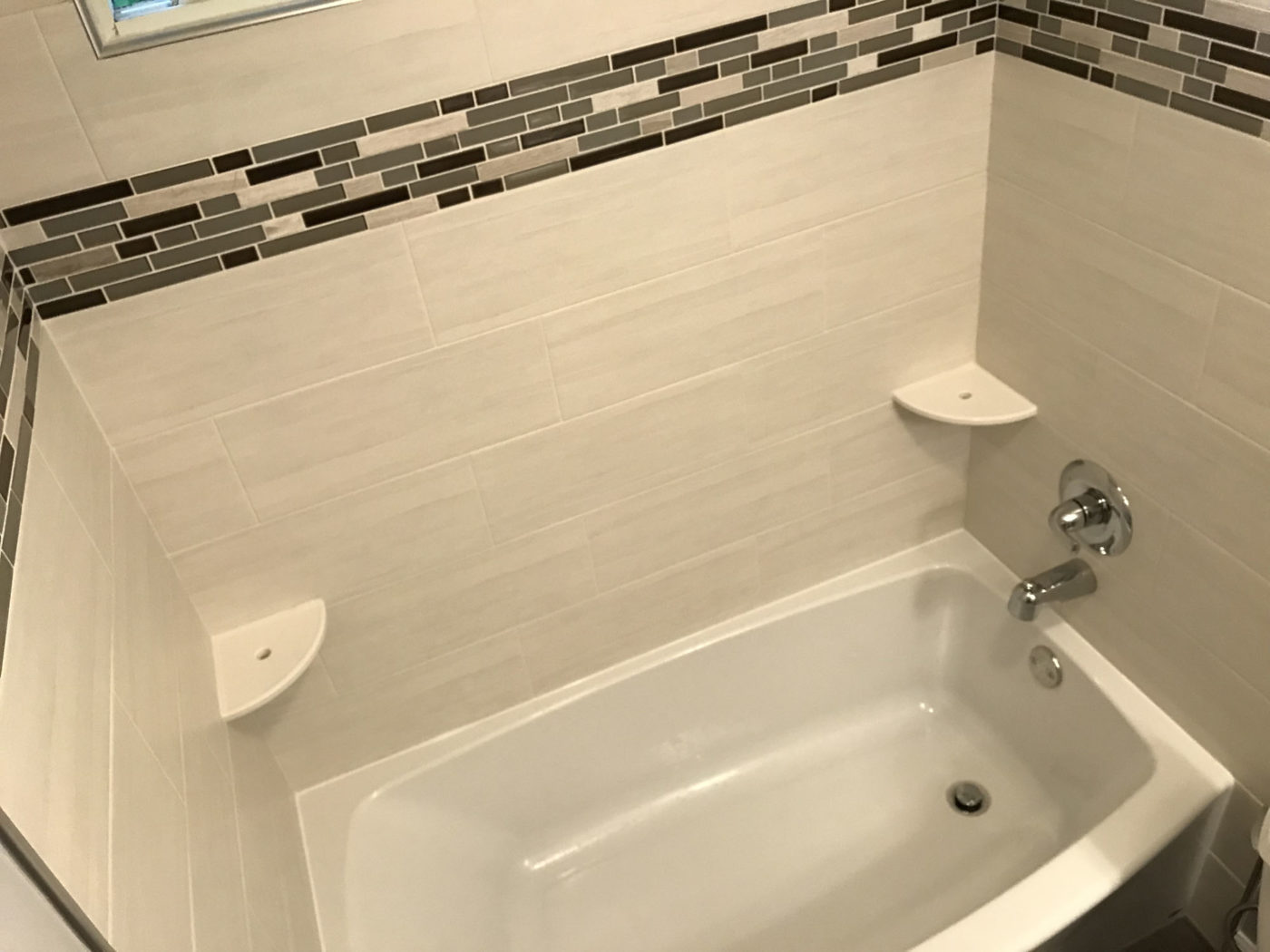 Bathroom remodeling in Hanover Park - new tile, tub