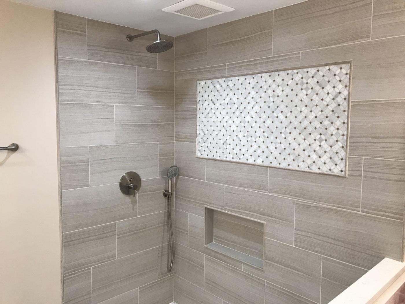 Bathroom remodeling in Hoffman Estates - new shower and tile