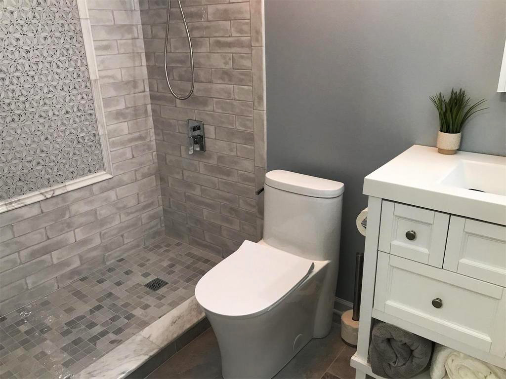 Bathroom remodeling project in Hoffman Estates