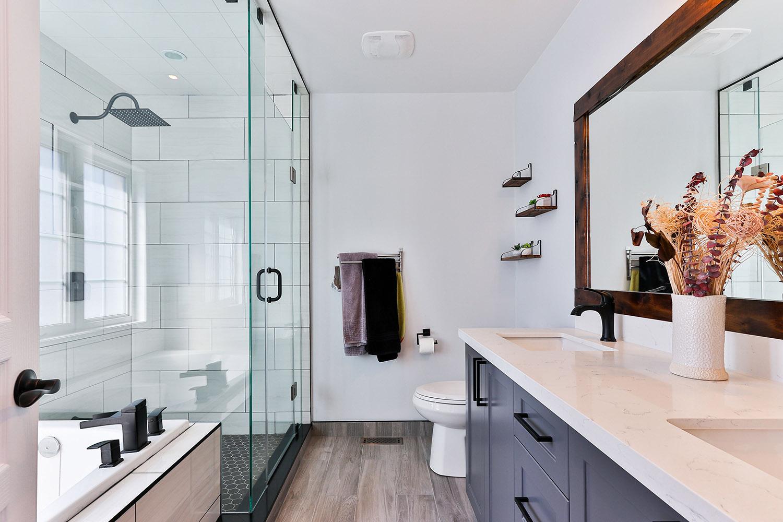 Nice looking bathroom
